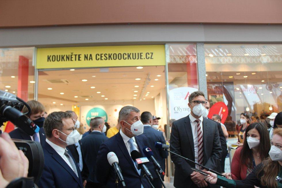 Otevření očkovacího centra v brněnské Olympii.
