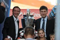 Bývalý reprezentant Vladimír Šmicer přivezl do Brna nejprestižnější fotbalovou klubovou trofej.