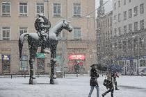 Dopravu v Brně a okolí v úterý dopoledne zkomplikovalo sněžení.