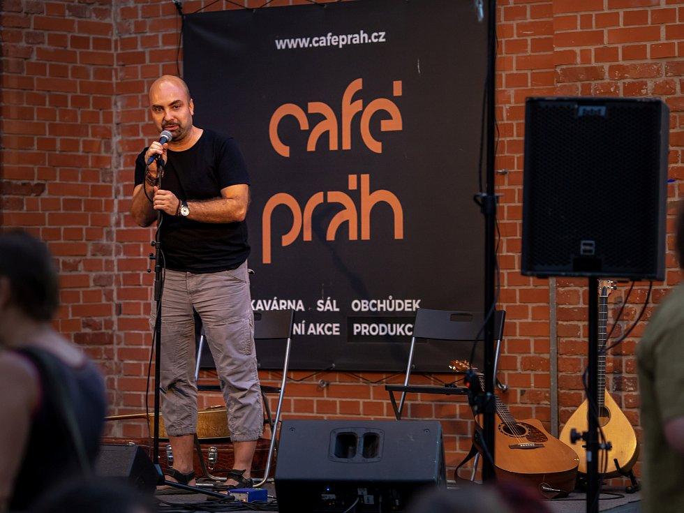 Irská tradiční hudba v podání kapely Dálach byla jednou z akcí Léta s Café Práh.