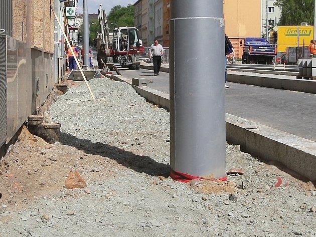 Stavba chodníku v brněnské ulici Milady Horákové.