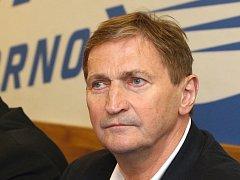 Trenér Komety Brno Alois Hadamczik.