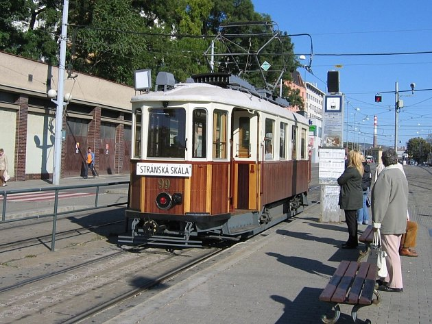 Historická tramvaj v Brně na Nových Sadech.