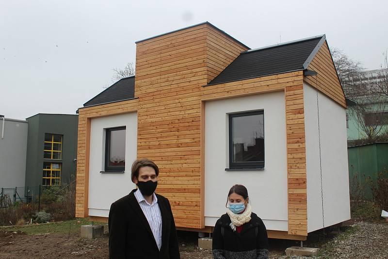 Vědci a studenti z brněnské Mendelovy univerzity postavili experimentální modul dřevostavby.