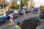 Na křižovatce Cejlu a Koliště prasklo parovodní potrubí.