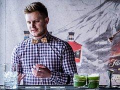 Barman Rudolf Forman.