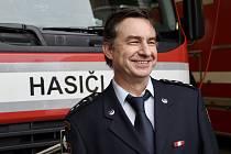 Brněnský hasič Jiří Oharek mimo služby zachránil motorkáře. Stal se letošním prvním Gentlemanem silnic.