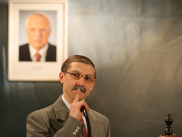 V roli Václava Klause se divákům představí herec Petr Jeništa.