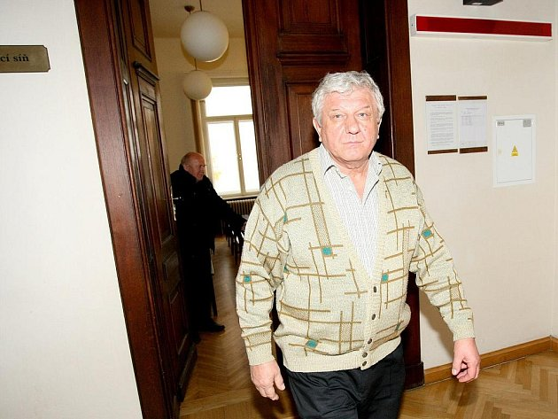 Jaroslav Mahr u soudu v Brně.