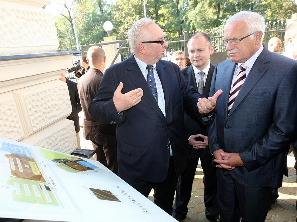 Prezident České republiky Václav Klaus otevřel soukromou kliniku v Brně.