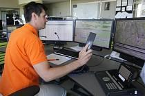 Operátoři střediska zdravotnické záchranné služby Jihomoravského kraje denně vyřídí kolem tisíce hovorů. Právě s nimi lidé mluví, když volají linku 155.