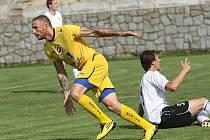 Rosický Pavel Šustr (ve žlutém).