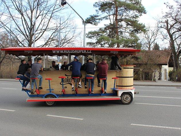 Trend, dobře známý například v Budapešti, představil v Brně Marek Fišer pod názvem Kološkopek.