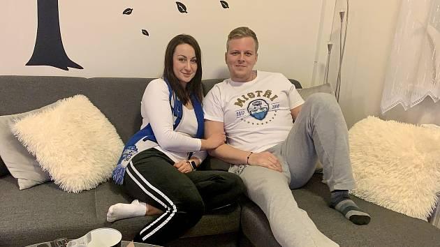 Manželé Petra a Michal Maškovi sledují nyní zápasy Komety jako ostatní příznivci pouze z domova.