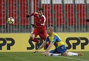 Fotbalisté brněnské Zbrojovky ve čtrnáctém kole domácí nejvyšší soutěže porazili brankou Michala Škody Teplice 1:0.