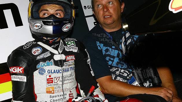 Otec jihomoravského motocyklového jezdce Jakuba Kornfeila Marek.