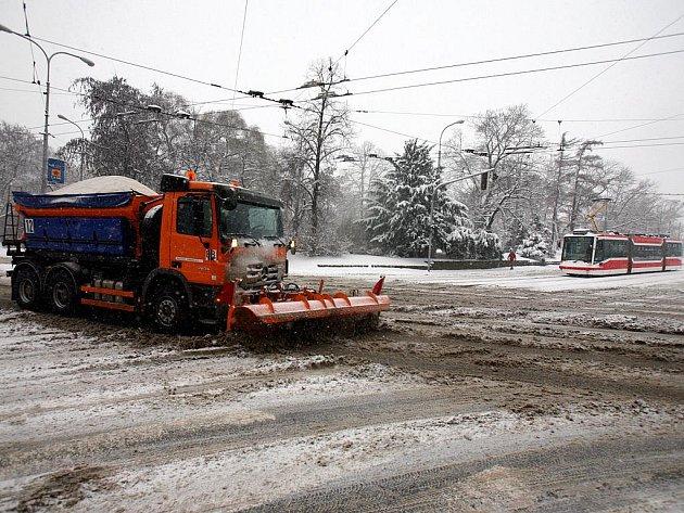 Silničáři mají v Brně plno práce.