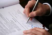 Podpis smlouvy o rekonstrukci vily Tugendhat.