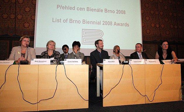 Karlovy Vary mají svůj mezinárodní filmový festival, Brno má Bienále grafické designu.