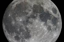 Úplňku měsíc dosáhne ve středu po jedné hodině odpoledne.