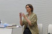Poslankyně Evropského parlamentu Martina Dlabajová v úterý v Brně prezentovala část svojí sbírky knih o Malém princi v různých světových jazycích. Součástí akce byla světová premiéra Malého prince v brněnském nářečí hantec. Část knihy př