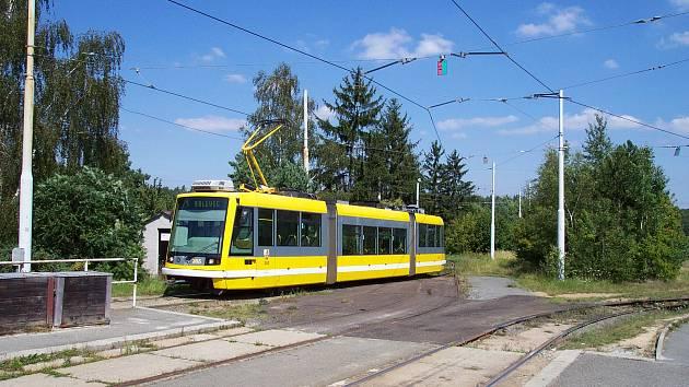 Brněnský dopravní podnik koupil z Plzně dvě tramvaje Škoda 03T. Využije je jako náhradní díly. Ilustrační foto.