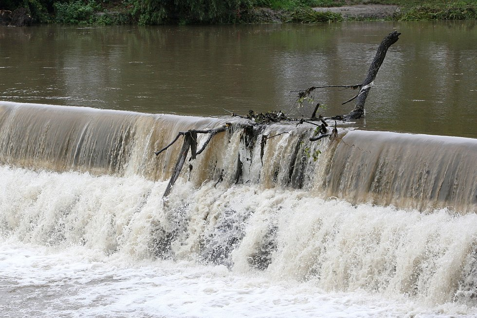 Brno 16.10.2020 - řeka Svitava a splav v Obřanech