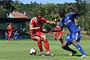 Přípravný zápas mezi Zbrojovkou Brno (červená - Jakub Šural) a Jihlavou (modrá)