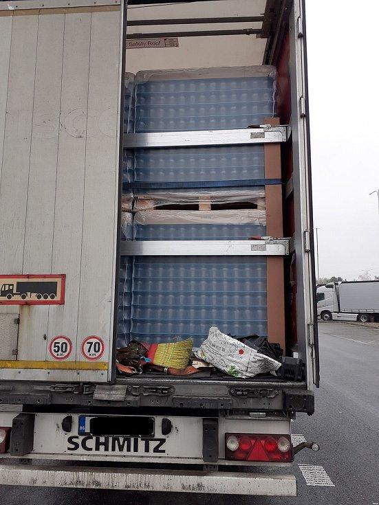 Jihomoravští celníci zadrželi na dálnici D2 dva Libyjce.