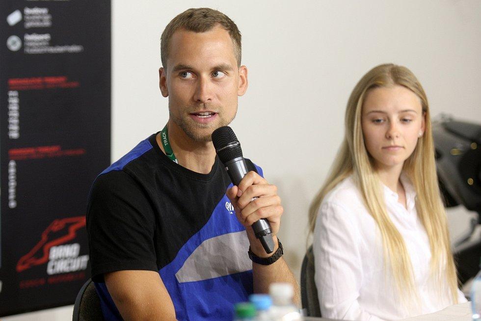 Brno 6.6.2018 - Ondřej Ježek a Alexandra Pelikánová na tiskové konferenci k nadcházejícím závodům SBK v Brně.