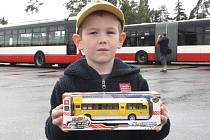 Lidé slavili pětaosmdesát let autobusové dopravy v Brně.