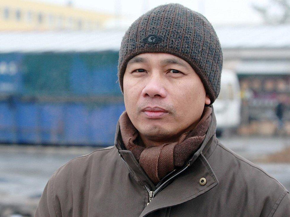 Ředitel tržniceTran Chuyen.