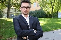 Politolog a marketingový poradce Pavel Šíma považuje letošní kampaň v Brně za málo vyhrocenou. Strany si nechtějí uzavřít možnosti povolební spolupráce.