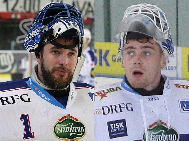 Brankáři Marek Čiliak (vlevo) a Karel Vejmelka bojují o pozici gólmanské jedničky v Kometě Brno.