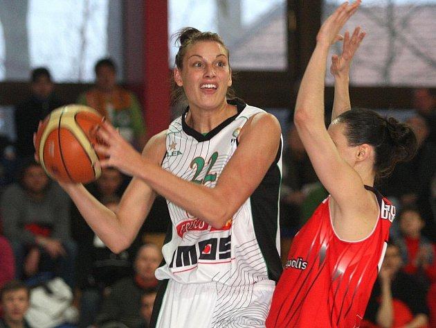 Basketbalistky Frisco Sika Brno prohrály v odvetě osmifinále Evropské ligy na domácí palubovce se Španělkami 64:67.