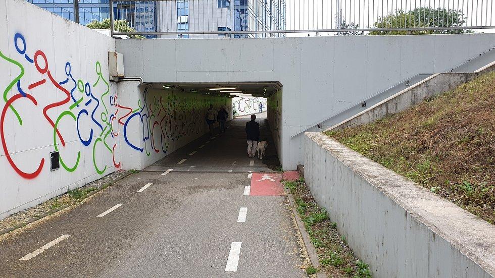 Podjezd pod Heršpickou ulicí v Brně.