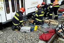 Pod soupravou v tramvajové tělese skončil zaklíněný muž v brněnské Líšni.