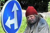Brněnský režisér, dramatik a příležitostný herec Arnošt Goldflam.
