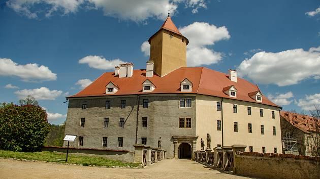 Do konce května je areál hradu Veveří otevřený o víkendech.