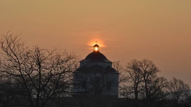Jako připomínku přinášíme fotografie z minulého ročníku. Rozsvícenou trojici vyfotil Tomáš Kallus.