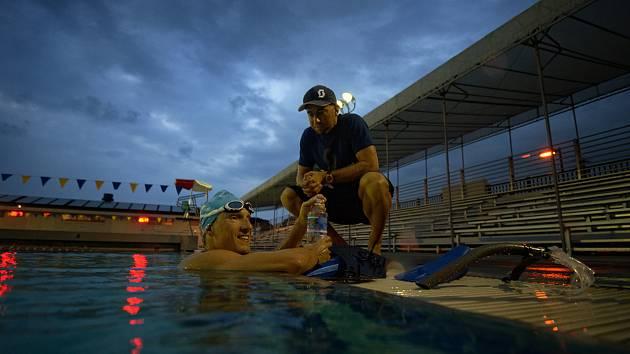 Trenér Luboš Bílek se svým tehdejším svěřencem Sebastianem Kienlem při přípravě na světovém šampionátu v havajské Koně.