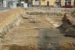 Archeologický výzkum v Hybešově ulici. Odborníci odkryli pozůstatky vodoteče.