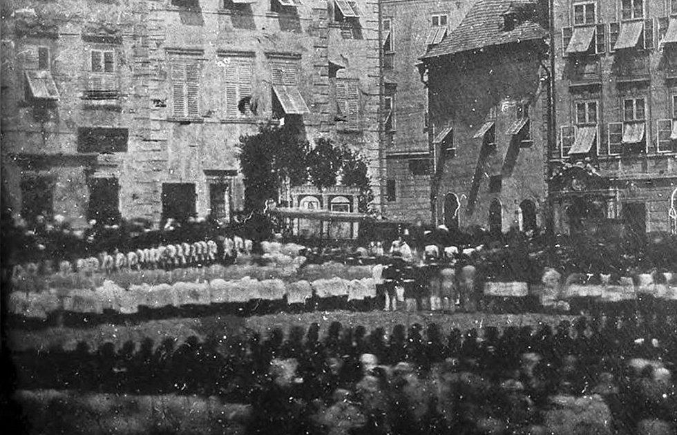 Výřez unikátního snímku, který pořídil Bedřich Franz 10. června 1841 na brněnském Zelném trhu. Celý snímek uvidí do neděle návštěvníci na Špilberku.