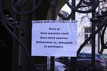 Policisté z Národní centrály proti organizovanému zločinu zasahovali na radnici Brna-středu.