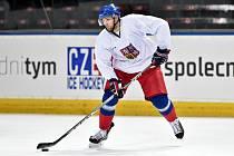 Obránce Vojtěch Mozík se vrací do Kontinentální hokejové ligy.