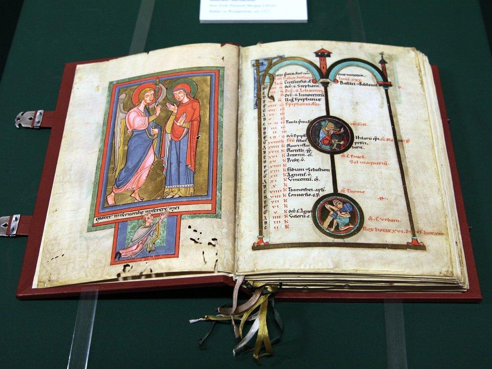 Brněnská výstava Tři tisíce let knižního umění – Skvosty pěti kultur ukáže také faksimilii vzácného rukopisu Život svatého Václava.
