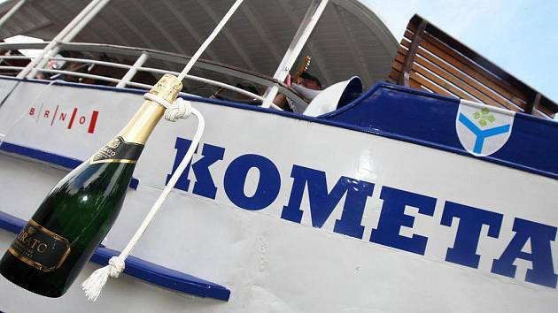 Křest lodi KOMETA.