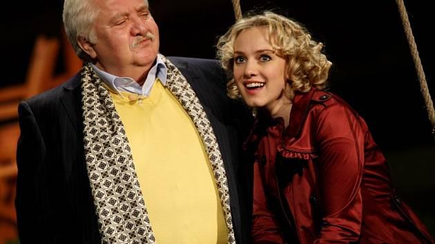 Marián Labuda vystoupí ve hře Odcházení Slovenského národního divadla v titulní roli bývalého politika Riegera.