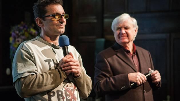 Další ze série večerních pořadů nazvaných Host ve vile uvítala v pátek známého herce Ondřeje Vetchého.