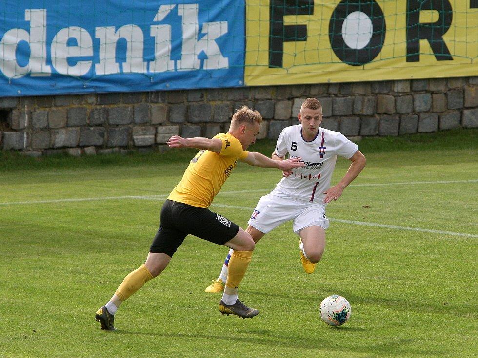 24.6.2020 - 26 kolo F:NL mezi domácí SK Líšeň (bílá - Michal Jeřábek) proti FK Baník Sokolov (žlutá)